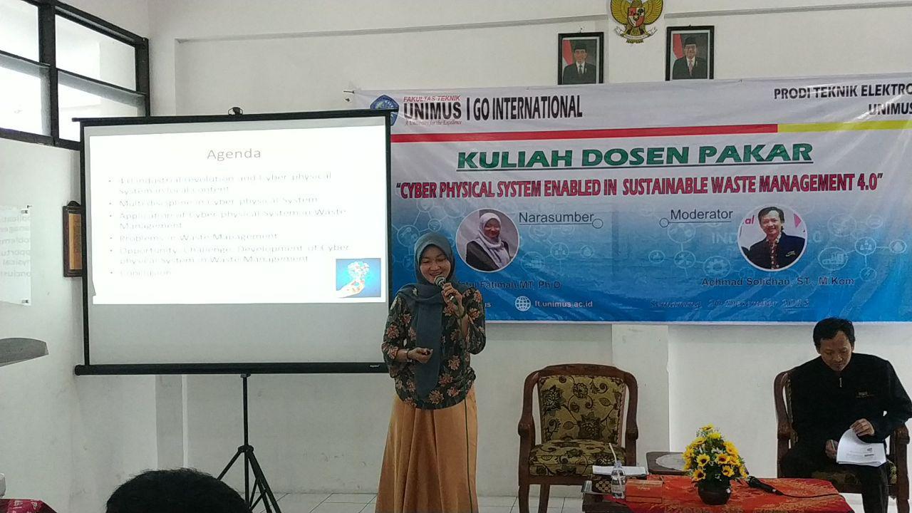 Pembicara  Yun Arifatul Fatimah , M.T, Ph.D dan Moderator Achmad Silichan M.kom