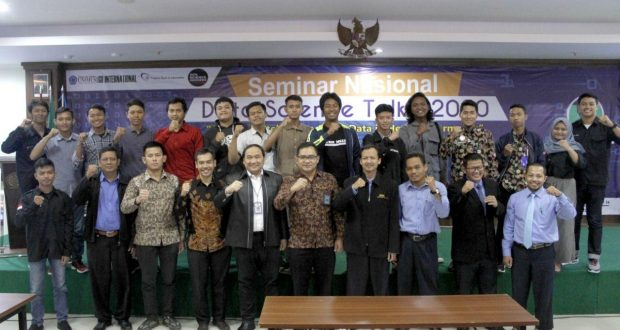 seminar nasional Data Science Talk's 2020 (DST 2020)